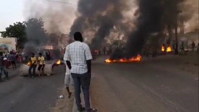 सुडानमा टिभी, रेडियोमा सेनाको कब्जा, सरकारले जनतालाई भन्यो 'सेनाको हस्तक्षेप रोक्नुस्'